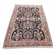 Orientteppich. Perser. Wohl Hamadan. 20. Jahrhundert. Ca. 210 x 130 cm. Leichte Gebrausspuren, insgesamt gut erhalten.