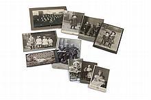 Sammlung von ca. 160 OPhotographien (Vintage, Silbergelatine, Albumin u. Kollodium Abzüge u.a.), überwiegend Cartes de visite und Kabinettformat. 1885-1915. Verschiedene Formate.