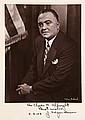 Hoover, John Edgar Sammlung von 13 Briefen. Davon 10 Briefe mit eigenhändiger Unterschrift, 2 Briefen mit faksim. Unterschrift, 1 großen Porträt-Photographie mit eigh. Widmung sowie 3 einschlägigen Briefen anderer Regierungsbeamter. 1946-1958.