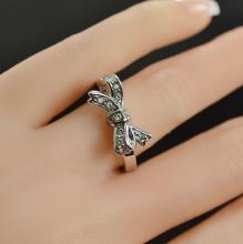 Juicy Couture Ribbon Ring Silver Plate and Crystals