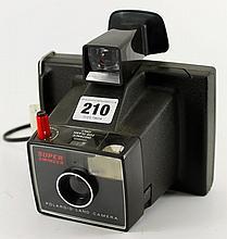 Polaroid Super Swinger Land camera with