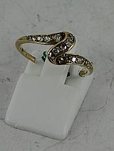 Yellow gold 'Loop' stye diamonds ring 2g