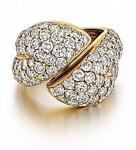 18kt Yellow Gold and Diamond Lady's Hinged Cluster Ring