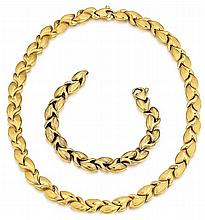 18kt Yellow Gold Lady's Necklace and Bracelet Set, Two Pcs, L.8
