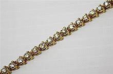 14kt Yellow Gold and Diamond Lady's Straight-line Bracelet