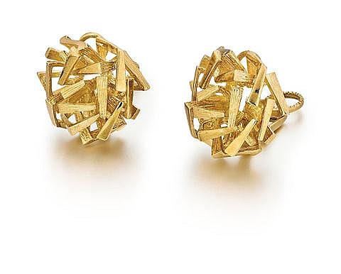 18kt Yellow Gold Lady's Earrings, Pair