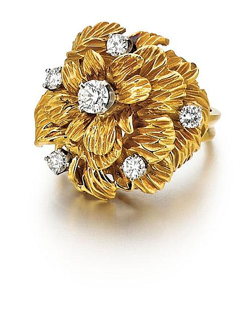 18kt Yellow Gold and Diamond Lady's Floral Ring