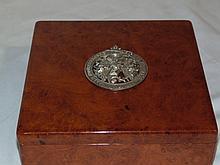 Early Birds Eye Silver Medallion Topped Dresser Box