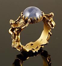 18K Gold and Star Sapphire Ring