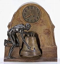 Uhr - Männliche Figur an Glocke Wiener Manufa...