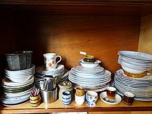 Large quantity of assorted china.