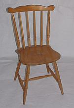 Set of 4 Windsor style kitchen chairs.