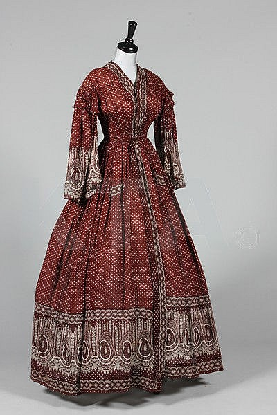 A printed cotton day dress, circa 1850, with small