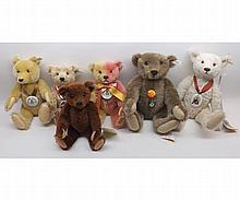Steiff Collectors Club bears to include 1999 Club Edition bear in pink and gold,