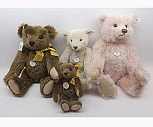 Modern Steiff Collectors bears to include Teddy Rose 1927 replica, 1909 Classic
