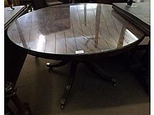Georgian Mahogany round pedestal Dining Table with