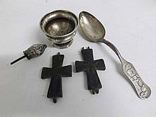 A Mixed Lot comprising: London hallmarked small S