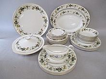 Royal Doulton 'Larchmont' porcelain dinner service