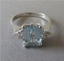 Aquamarine & diamond 18ct white gold ring, size N