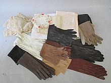 Quantity of vintage lace & ladies gloves