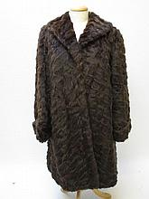 Ladies vintage brown 3 1/4 length fur coat size