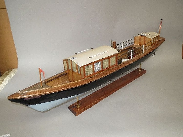 Large wooden 'steamer boat 'Waterlily' complete