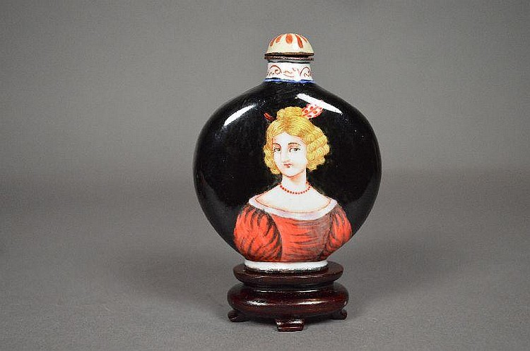 Enameled on copper snuff bottle