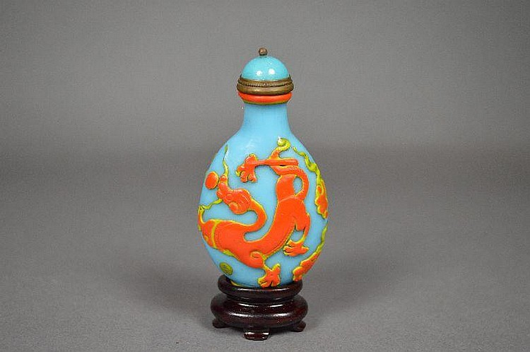 Peking glass snuff bottle