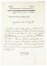 BONAPARTE NAPOLÉON Lettre signée « Bonaparte », adressée au général Destaing. Le Caire, le 4 pluviôse an VII [23 janvier 1798] ; 1 page in-folio, adresse avec contreseing