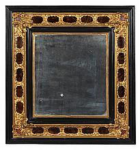 PAIRE DE MIROIRS Paris, époque Louis XIV, vers 1710 MATÉRIAUX:Ebène, écaille brune et bronzes dorés H. 62 cm, L. 57 cm