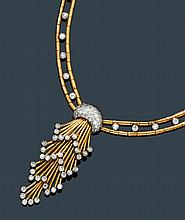 GOLD AND DIAMOND NECKLACE, ca. 1945.Pink gold 750