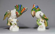 PAIR OF COCKATOOS, Nymphenburg, 20th century.Green