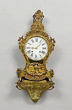 GEFASSTE PENDULE AUF SOCKEL, Louis XV, Neuenburg,