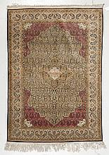 GHOM SILK. Bulky central medallion in beige and