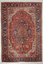HERIZ antique. Red ground with a central medallion