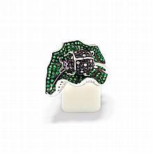 DIAMANT-TSAVORIT-RING.Weissgold 750.Sehr dekorativer Ring, die Schauseite in Form eines Blattes mit plastisch gestaltetem Marienkäfer, ganz ausgefasst mit zahlreichen Tsavoriten bzw. mit schwarzen und weissen Diamanten. Der Kopf zusätzlich verziert