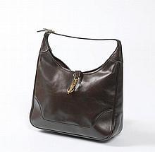 Sac Hermès, modèle Trim, cuir marron lisse. HERMES