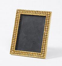 Hermès. Cadre en métal doré à motifs de maillons