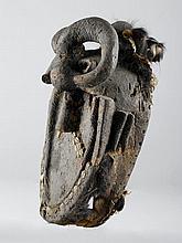 TOMA MASKE Guinea. H 54 cm. Provenienz: - Franco