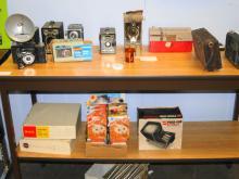 VINTAGE CAMERAS AND SUPPLIES 13 cameras