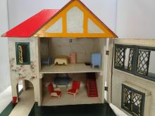 ANTIQUE DOLL HOUSE ENGLISH CONWAY VALLEY SERIES