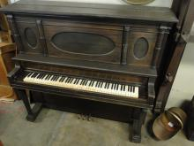 R.RADLE UPRIGHT PIANO ESTB 1850, MODEL 5717 6 IVORY KEYS
