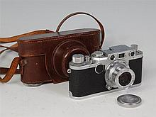 A Leica IIF camera, number 573206, with Leitz