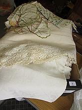 Miscellaneous table linen including damask tablecloths etc