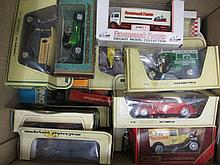 Quantity of various boxed die-cast metal model vehicles, together with a quantity of various loose model vehicles