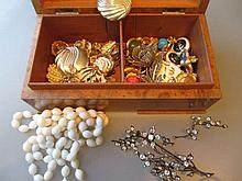 19th Century paste set tremblant brooch together with a small quantity of costume jewellery housed in a burr walnut cigarette box