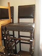 Reproduction oak dining room suite comprising: rectangular draw-leaf table and six standard chairs