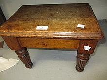 Small 19th Century oak stool on turned fluted supports