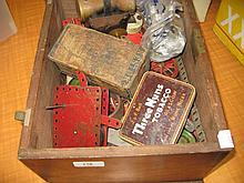 Box containing a small quantity of miscellaneous Meccano construction items