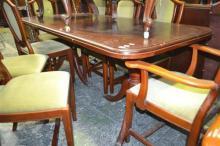 Cedar Extension Dining Table On Claw Feet